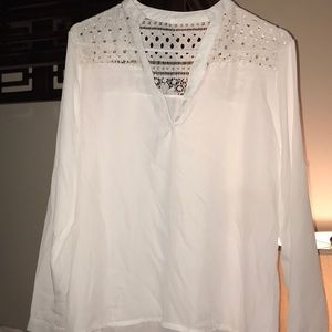 Tops - White woman blouse never worn